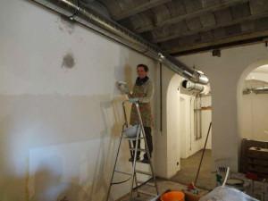 грунтуют ли стены перед шпатлевкой - детали