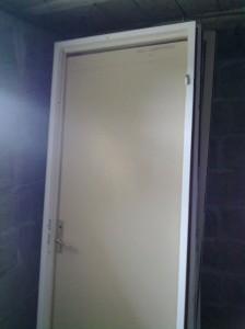 Металлические двери с порошковым напылением. Как это делают? Советы и рекомендации