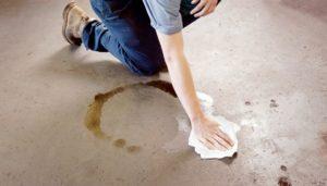 как отмыть пол от машинного масла